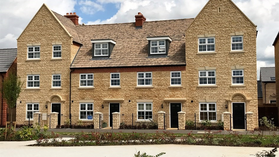 Taylor Wimpey case study with hardrow slate tiles